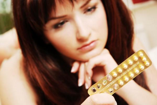 Многих женщин интересует вопрос о том, возможна ли беременность после противозачаточных таблеток