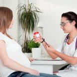 Какую опасность несут в себе розовые выделения при беременности